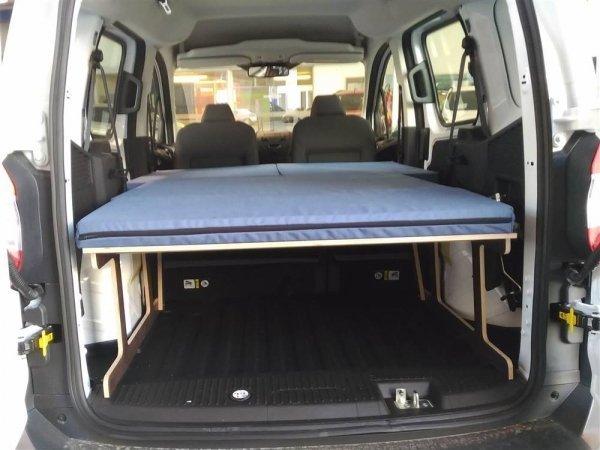 Ford Courier 01 600x450 - Pack Ford Courier: Estructura de llit i matalàs plegable