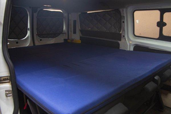 Colchón camper en Ford Transit Custom