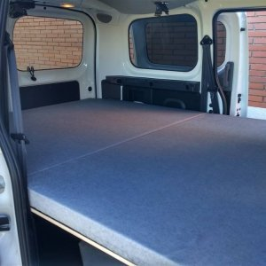Nissan NV200 13 300x300 - Boutique camping-car
