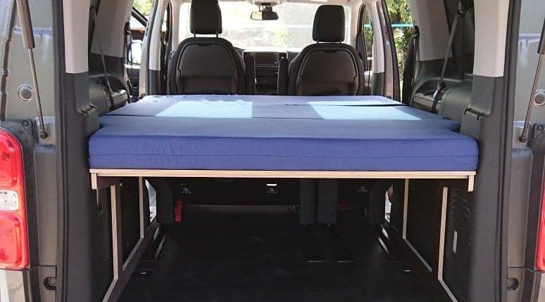 Proace 01 774x430 - Lit camping-car - Matelas et sommier